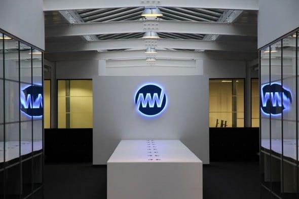Media-Works-Neon