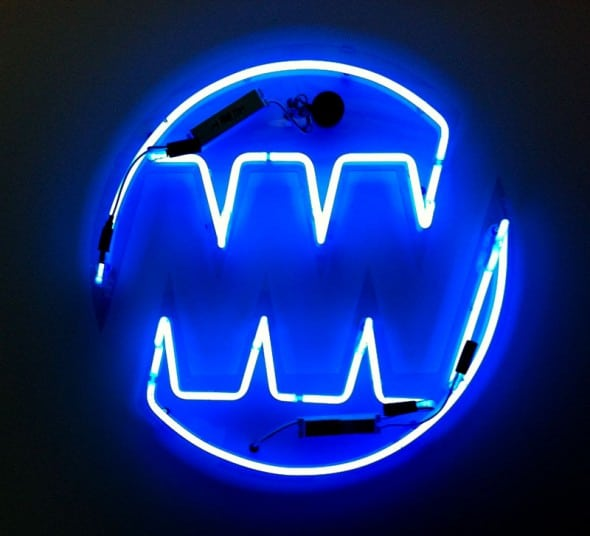neon-halo-open